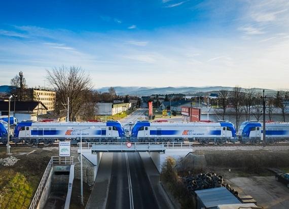 Inwestycje taborowe PKP Intercity: ponad 5 mld zł w kontraktach i blisko połowa pojazdów u przewoźnika