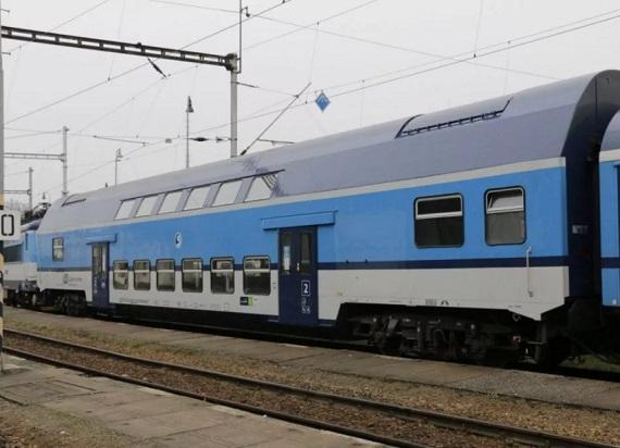 Koleje Czeskie modernizują bohuny. Zmodyfikują wnętrze piętrowych wagonów