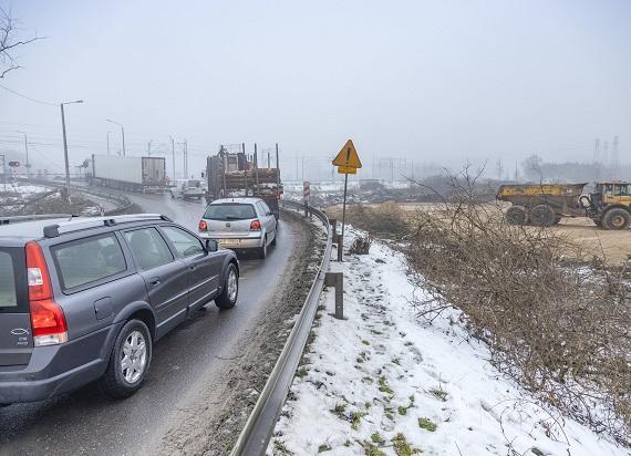 Ruszyła budowa wiaduktu drogowego nad linią kolejową E75 w Małkini