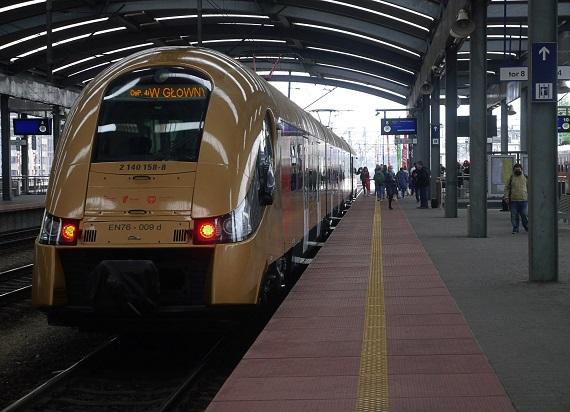 Jest umowa na studium wykonalności dla rozbudowy kolei w aglomeracji katowickiej