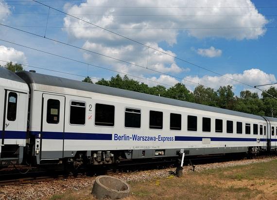 Pięć ofert na modernizacje wagonów Z1A/B