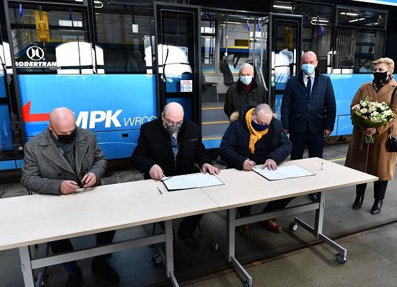 MPK Wrocław korzysta z prawa opcji. Łącznie do Wrocławia trafi 46 Moderusów Gamma
