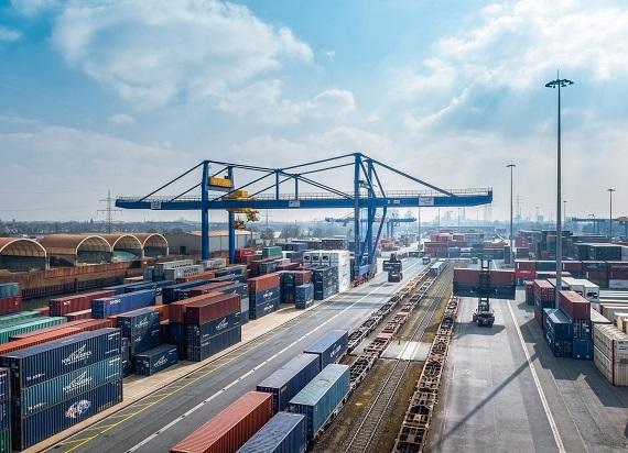 Duisport Agency chce kupić 17 nowych wagonów do przewozu kontenerów