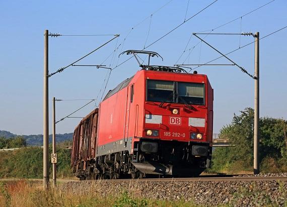 DB Cargo jest w stanie transportować towary korzystając w 100% z odnawialnych źródeł energii