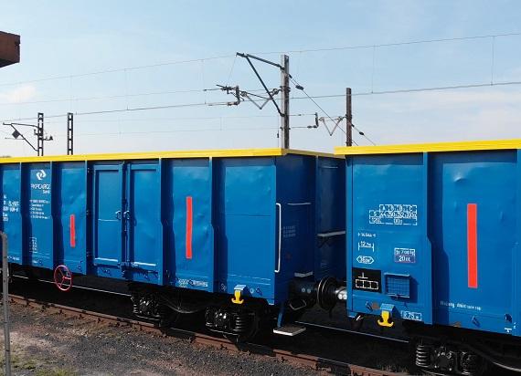 PKP CARGO SERVICE nakleja odblaski na wagony. Dostało za to międzynarodową nagrodę RailTech