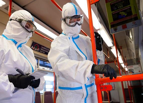 Czescy badacze nie znaleźli koronawirusa w praskim transporcie publicznym