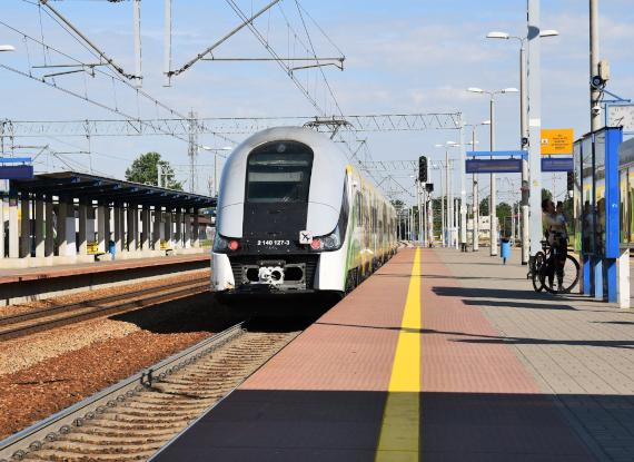 Jak zwiększyć możliwości kolei na trasie z Warszawy w kierunku Nasielska?